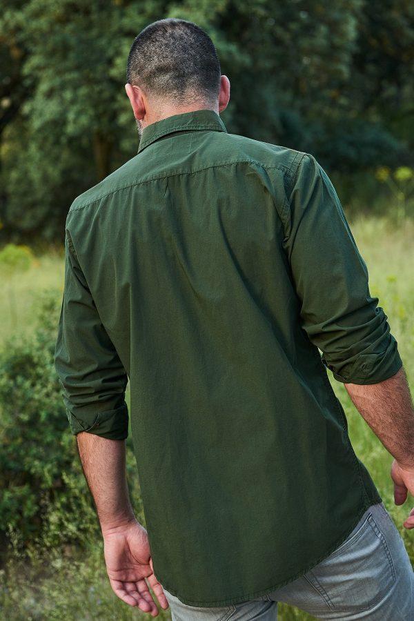 CAMISA LISA RIFLE GREEN de manga larga para hombre, colección de Green Forest Wear, moda sostenible online para hombre
