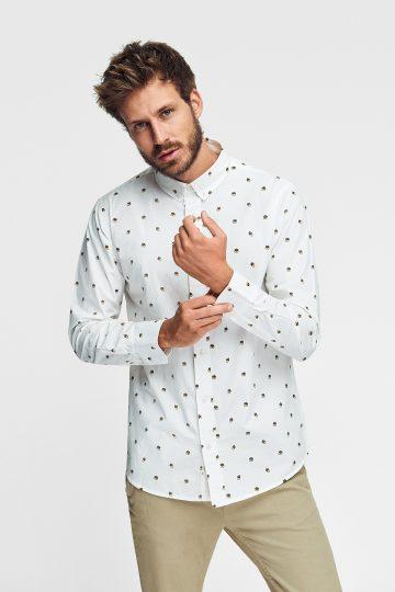 camiseta ecológica estampada con bellotas para hombre