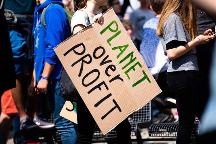 Piensa en el planeta antes que en el beneficio económico