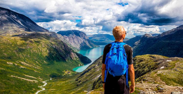 Ruta de navidad por la montaña para celebrar el Día Internacional de las Montañas